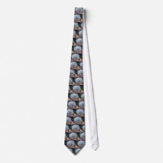 FROSTY AUTUMN LEAF TIE