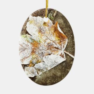 Frosty Leaf Ceramic Oval Decoration