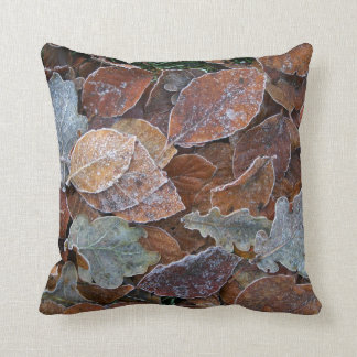 Frosty leaves cushion