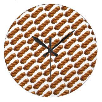 Fun Round Wall Clock Glazed Twist White