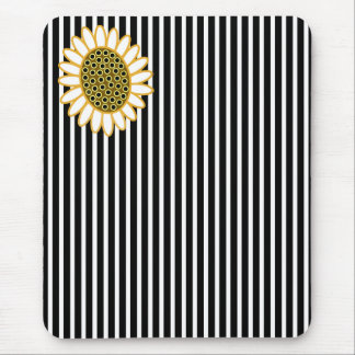Funky Little Daisy Mouse Pad