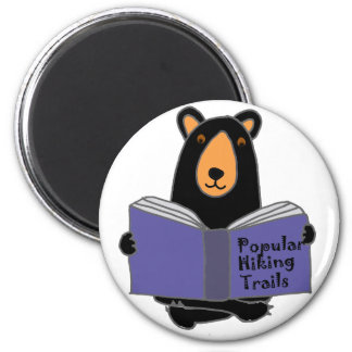 Funny Black Bear Reading about Hiking Trails 6 Cm Round Magnet