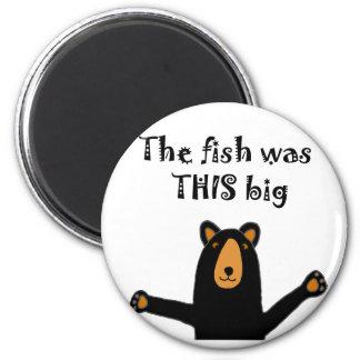 Funny Black Bear Telling Fish Story 6 Cm Round Magnet