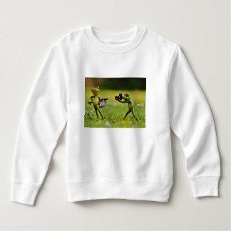 Funny couple of frogs taking photo sweatshirt