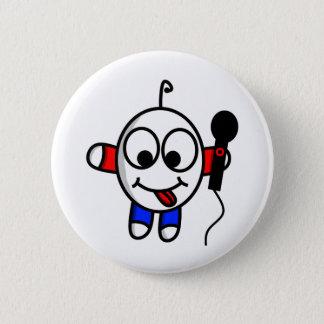 Funny dude singing 6 cm round badge