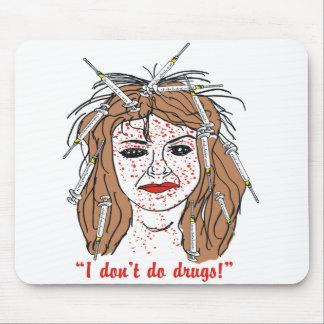 "Funny ""I don't do drugs!"" Mousepad"