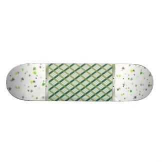 Funny leaf 19.7 cm skateboard deck