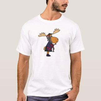 Funny Moose Playing Bagpipes Art T-Shirt