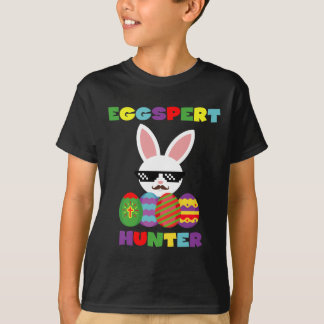 Funny Pink Hopping Easter Bunny for Egg Hunters T-Shirt