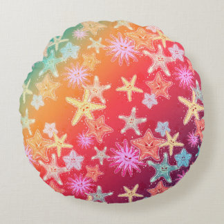 Funny Starfish in a colorful rainbow style pattern Round Cushion