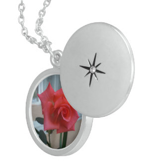 Garden Rose - Medium Sterling Silver Round Locket