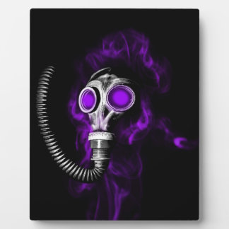 Gas mask plaque