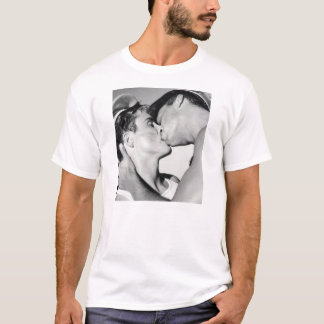 GAY MALE KISS T-Shirt