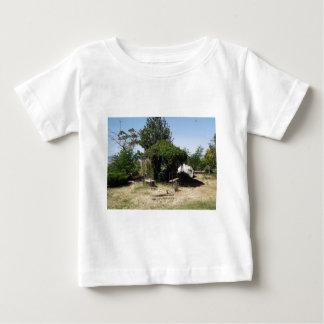 Gazebo with Vines T-shirts