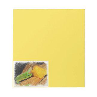 Gecko enjoying Peaches Notepad