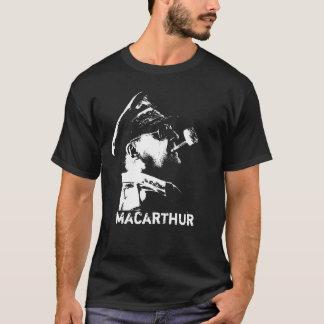 General MacArthur -- U.S. War Hero T-Shirt