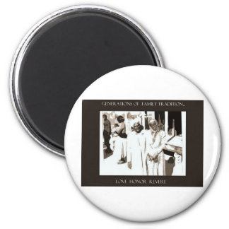 Generations of Family Traditional 6 Cm Round Magnet