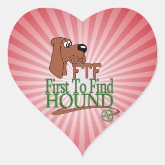 GEOGACHING FTF HOUND HEART STICKER