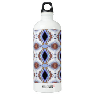 Geometric pattern water bottle