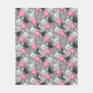 Geometric Pineapple Textured Pattern Fleece Blanket