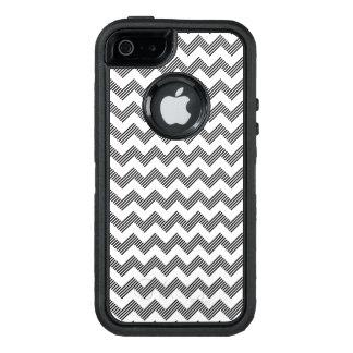 Geometric zigzag pattern OtterBox iPhone 5/5s/SE case