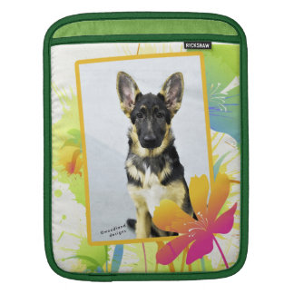 GERMAN SHEPHERD PUPPY iPAD SLEEVE