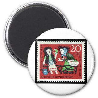 German Snow White 6 Cm Round Magnet