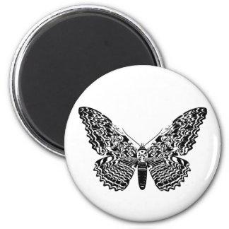 Ghost moth 6 cm round magnet