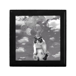 Gift Box: Funny cat flying with Balloons Small Square Gift Box