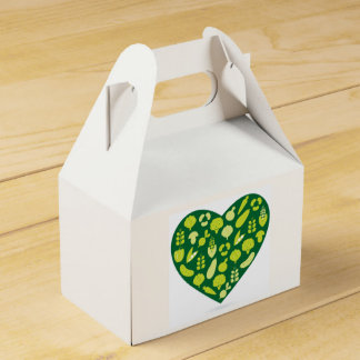 Gift box with green heart favour boxes