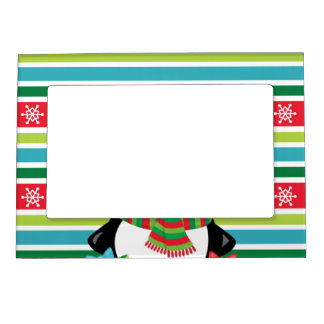 Gift Penguin on striped snowflake background Magnetic Frame