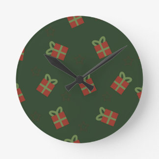 Gifts and stars pattern round clock