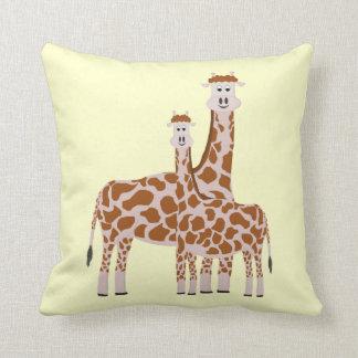 Giraffe: Pillow