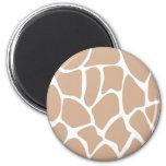 Giraffe Print Pattern in Beige. 6 Cm Round Magnet