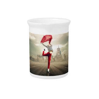 girl-2940655_1920 pitcher