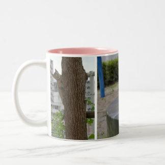 Girl of kijitora cat of beauty shape Two-Tone mug