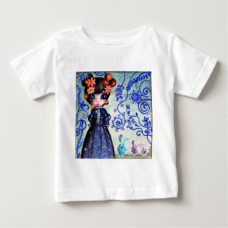 girl with the lapinous t-shirt