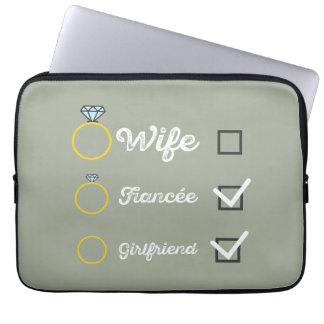 Girlfriend Fiancee Wife hen Party Zno5a Laptop Sleeve