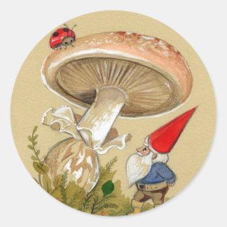 Gnome find a Ladybug and Mushroom Classic Round Sticker