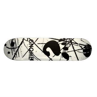GNOME Scribbles BW 19.7 Cm Skateboard Deck
