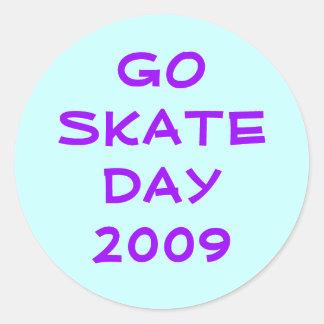 GO SKATE DAY 2009 ROUND STICKERS