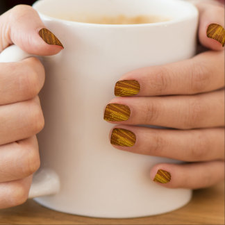 Gold Streaks in Nail Art