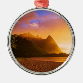 Golden beach sunset, Hawaii Silver-Colored Round Decoration