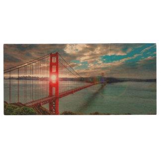 Golden Gate Bridge with Sun Shining through. Wood USB 2.0 Flash Drive