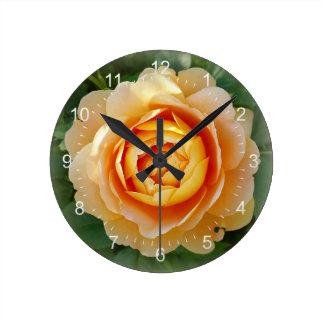 Golden rose round clock
