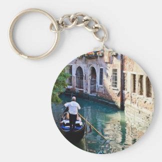 Gondola in Venice Italy Basic Round Button Key Ring