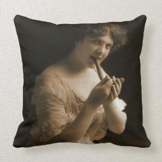 Good Cigar 1913 Throw Pillow