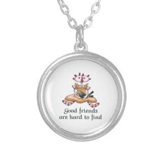 GOOD FRIENDS ROUND PENDANT NECKLACE
