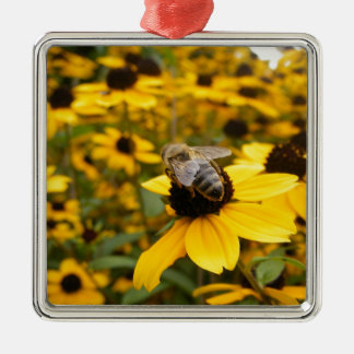 GORGEOUS DAISY FIELDS & HONEY BEE Silver-Colored SQUARE DECORATION