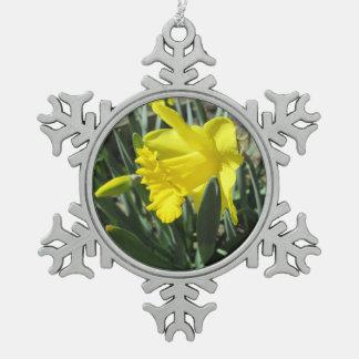 Gorgeous Yellow Daffodils Pewter Snowflake Decoration